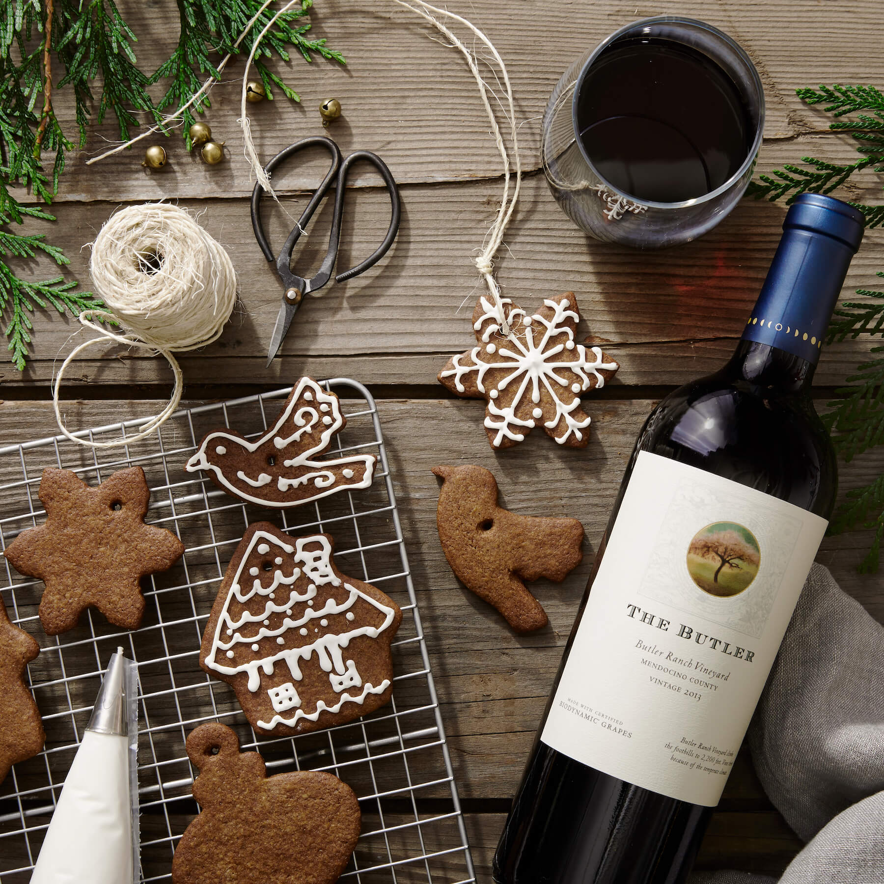 "DIY Cookie Ornaments and Bonterra's ""The Butler"" wine"